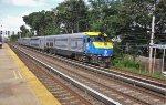LI 422 on WB Oyster bay train